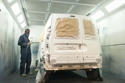 Peinture carrosserie automobile