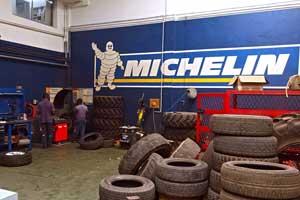 Pose, équilibrage, gonflage et démontage de pneumatiques